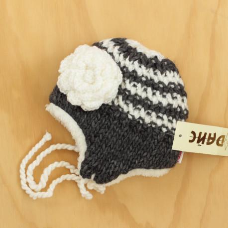 В'язана шапочка для дівчинки
