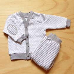 костюм з штанів та кофти для новонарожденого
